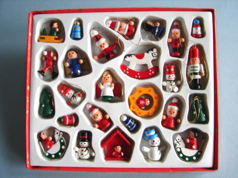 Holzfiguren Set 26 Teilig In 2 4 Cm Shop Weihnachtskugeln De
