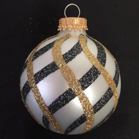 christbaumkugel in der farbe perle mit glitter verzierung. Black Bedroom Furniture Sets. Home Design Ideas
